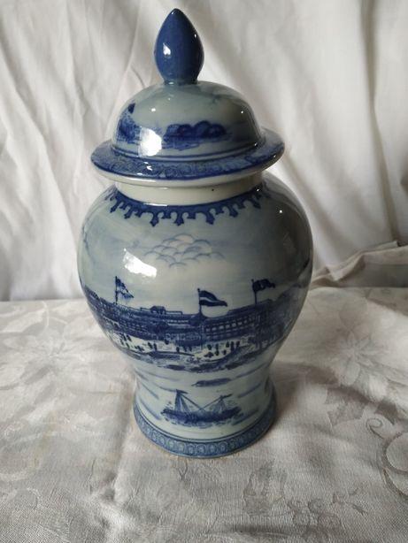 Pote antigo em Porcelana