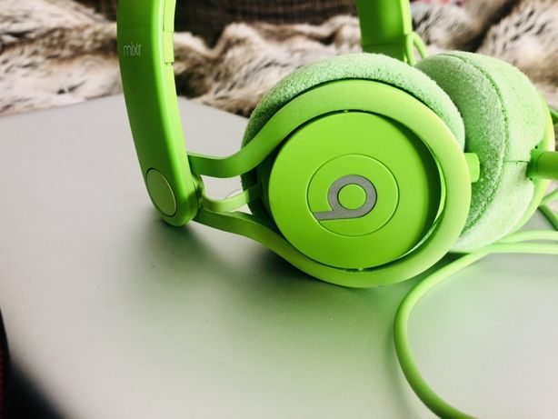 Beats by dr mixr green