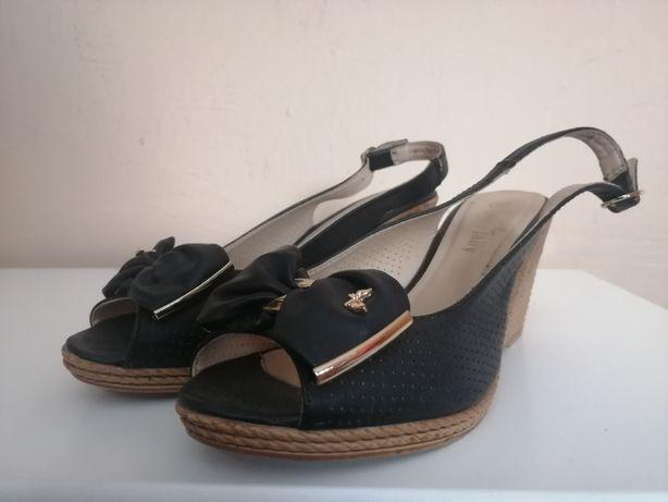 Buty - sandały na koturnie r. 38