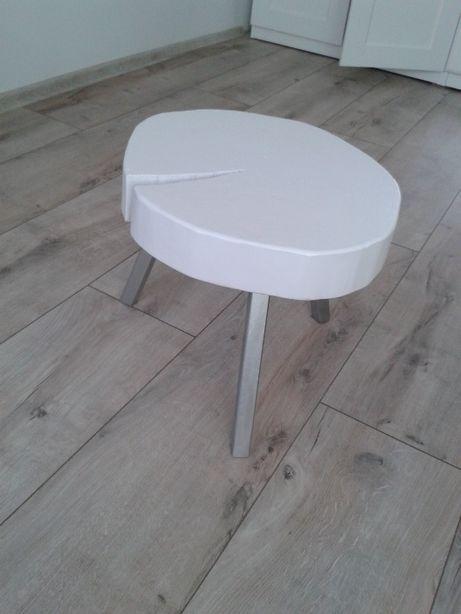Stolik kawowy plaster drewna.