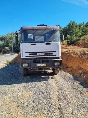 Vendo Camião Iveco Euro Trakker com bascula e grua