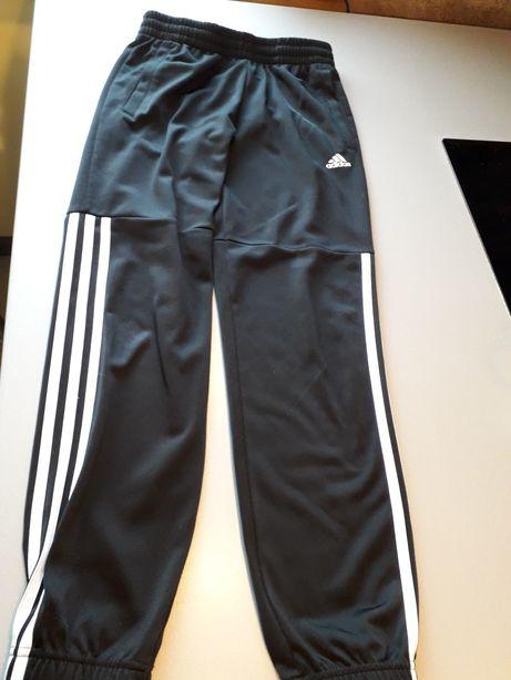 Dresy sportowe Adidas 152