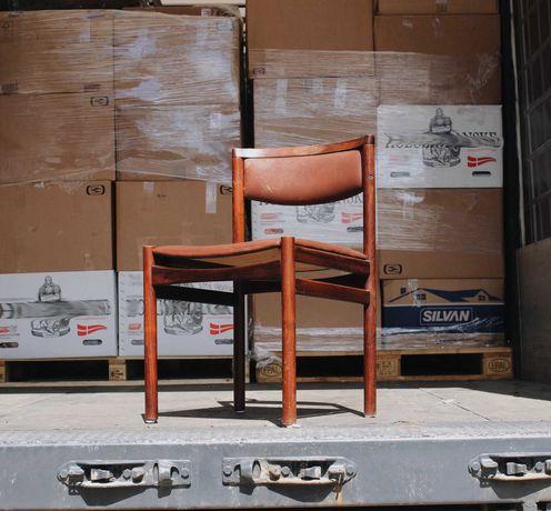 NOVIDADES   Cadeiras da década de 1960 em pau santo e couro