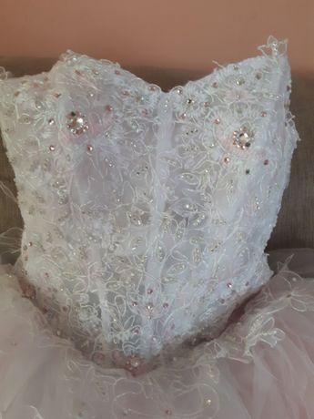 Плаття весільне з камінчиками Svarovski .
