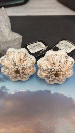 Gałki barokowe do szafek, 2 szt. Okrągłe, złoto i biel.