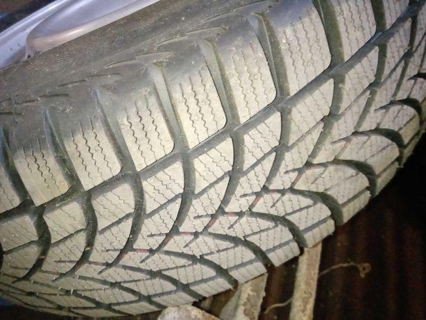 Комплект зимової гуми на дисках.