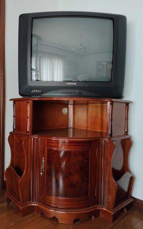 Móvel com oferta de Televisão Samsung
