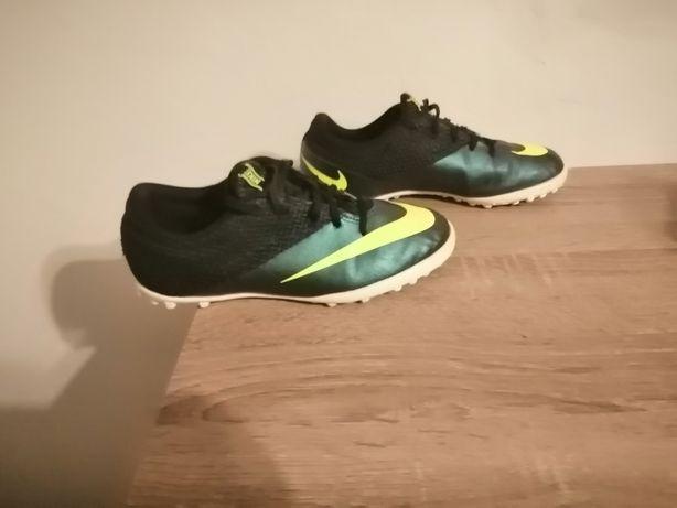 Buty piłkarskie Nike, rozmiar 37.5