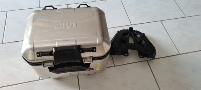 Top case GiVi alumínio + base