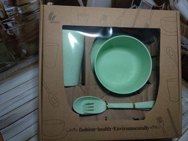 Посуд з екопластику