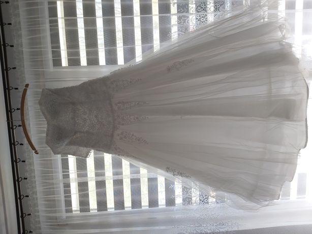 Suknia ślubna 42 princes