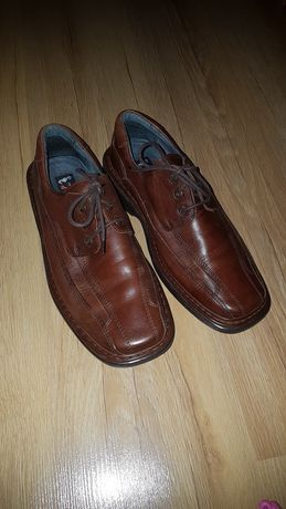 Meskie buty skórzane r 43 brązowe półbuty