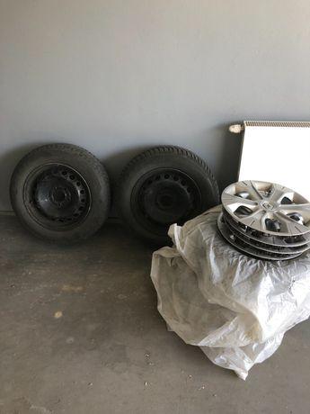 4xOpony zimowe na felgach stalowych z kolpakami Renault