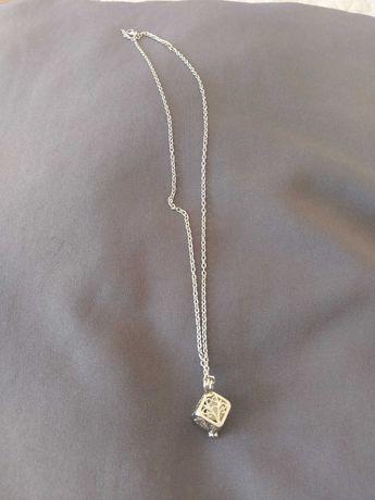 Biżuteria nowa: wisiorki, kolczyki