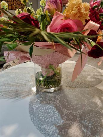 Okrągły wazon na kwiaty