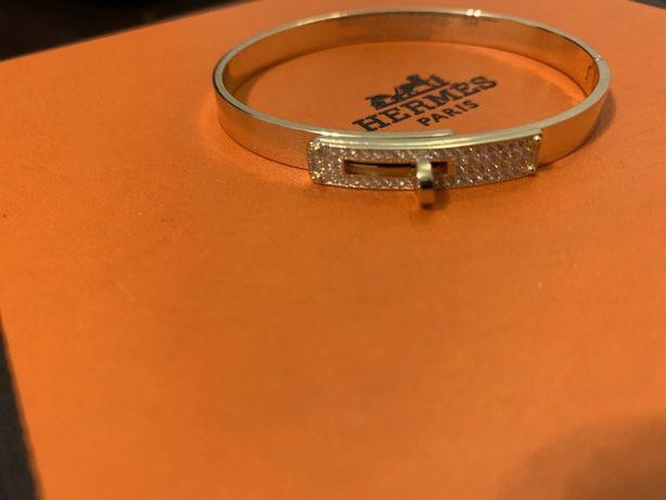 Золотой браслет Hermès с бриллиантами