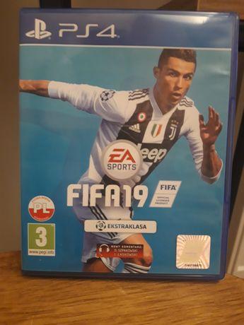 FIFA PS4 2019 sprzedam