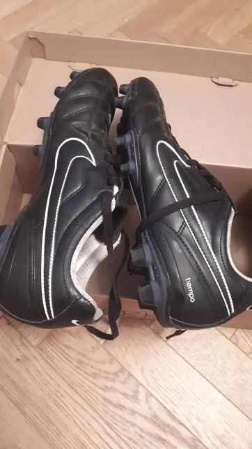 Korki Nike tiempo r. 44,5, długość wkładki 28,5 cm