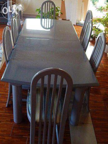 Zestaw lakierowanych mebli do salonu stół, krzesła, stolik TV