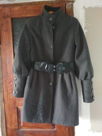 Пальто осінь-зима, задовільного стану
