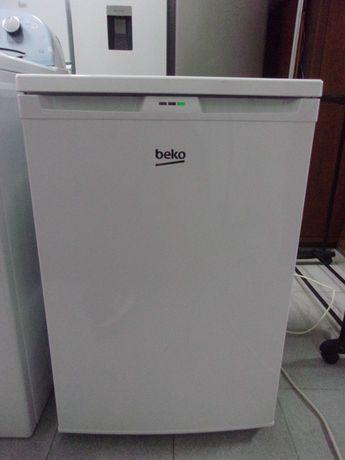 "Arca Congeladora Vertical ""Beko"" (Impecável - c/ Garantia)"