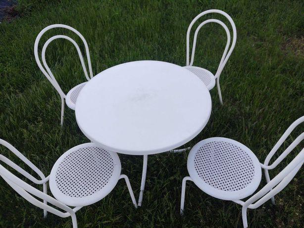 Stół i krzesła do ogrodu