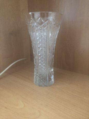 Продам хрустальную вазу