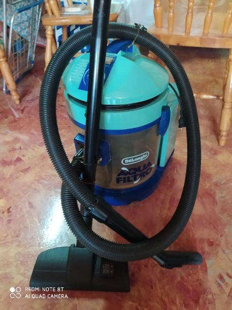 Моющий пылесос с аквафильтром .