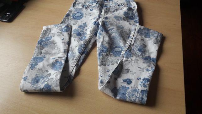 Sukieneczka firmy Hugo Boss oraz spodnie Tommego Hilfilgera rozm.140