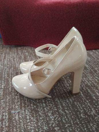 Повністю шкіряні туфлі Nivelle. Підходять на весілля. Стан нових.