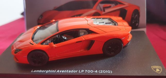 Modele samochodów Lamborghini w skali 1:43 Nowe w gablotkach 5 szt.
