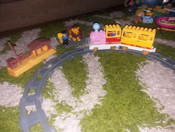 Паровоз LEGO duplo
