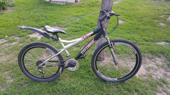Продам горный велосипед срочно!