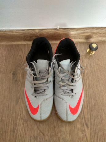 Buty sportowe Nike 40
