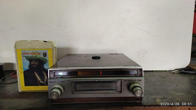 Auto rádio Tokai CR-620 de cartuchos a funcionar