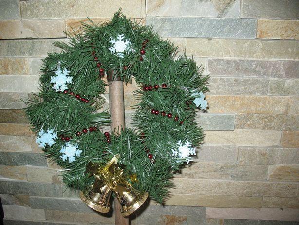 Wianek świąteczny, ozdoba na drzwi, okno, kominek