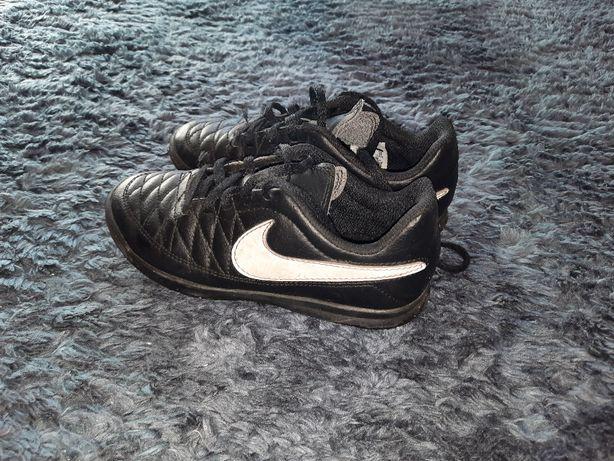 buty halowe NIKE rozmiar 31