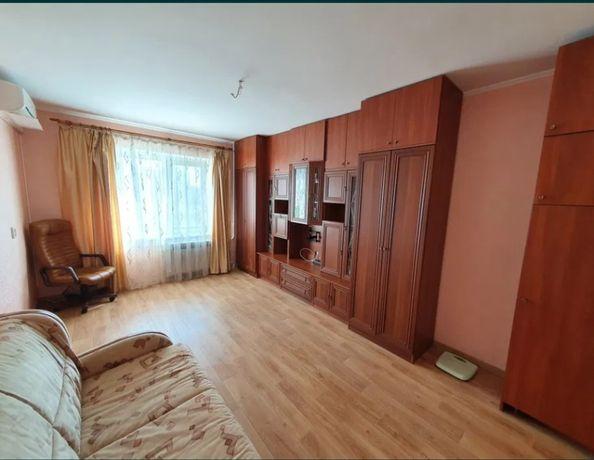 Продается 1к квартира 43м2 улица Милославская 47а (2006г), Троещина