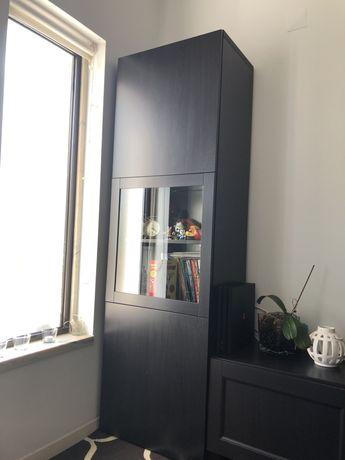 Estante/vitrine preta ikea