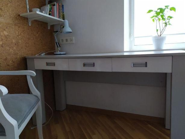 Стол, полочка, мебель