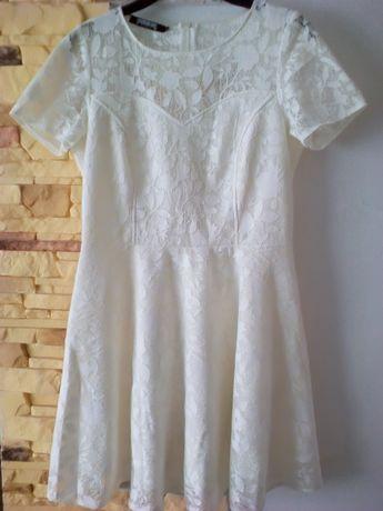 Śliczna sukienka na Komunię/wesele/chrzciny