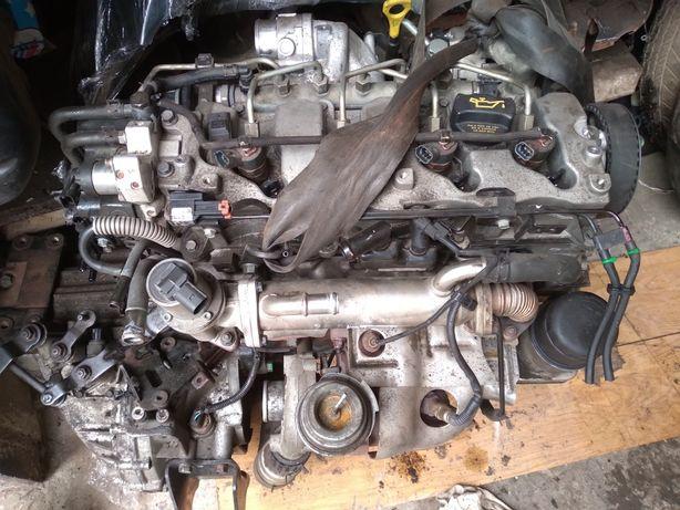 Двигун Кіа Каренс 2.0 форсунки турбіна розборка шрот