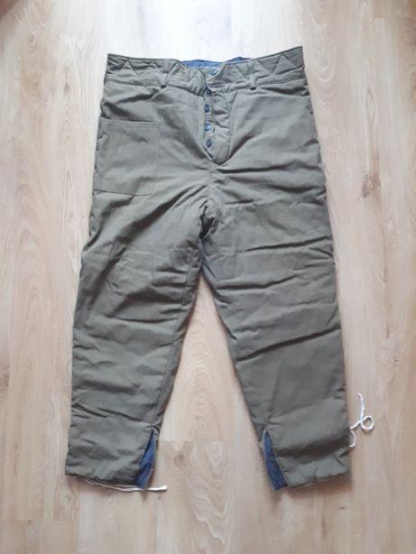 Ватные штаны, рукавицы на меху