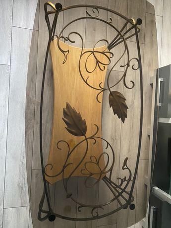 Piękny szklany stolik ślusarstwo artystyczne