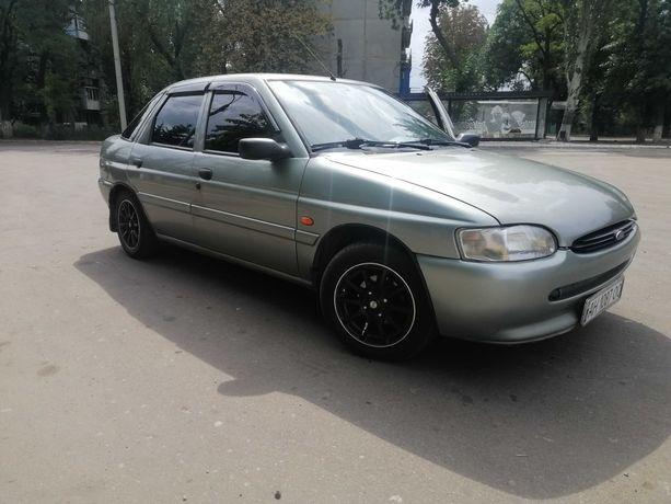 Продам машину Ford escort 1995