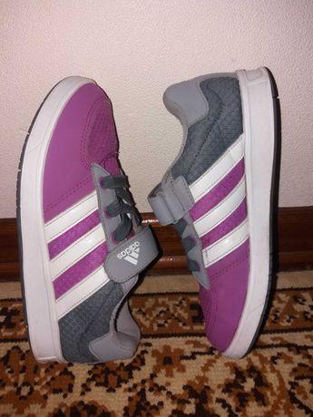 Кроссовки детские   кросовки Adidas на девочку 34 р.