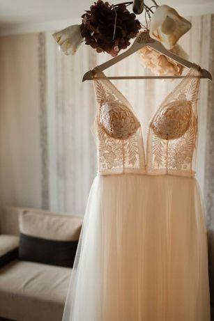 Wyjątkowa suknia ślubna Lilia, 163 cm-rozm.38.