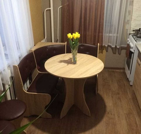 Мягкий кухонный уголок Боярин, круглый стол, 2 табурета