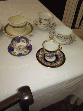 Chávenas de café de coleção algumas únicas da Vista alegre pintadas