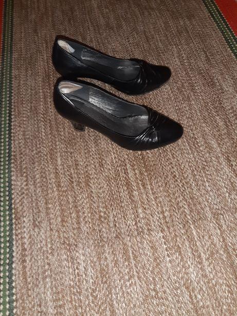 Туфлі жіночі чорного кольору